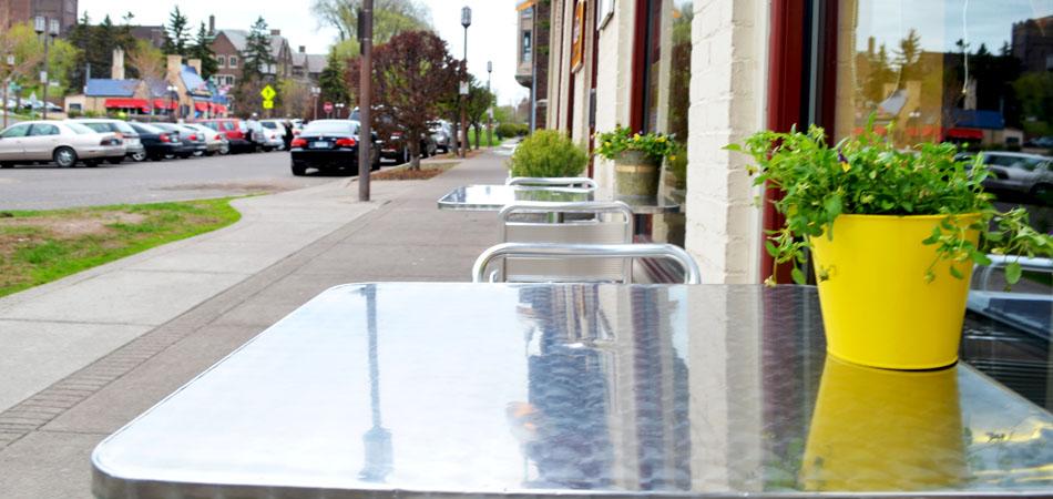 patio_superior_street